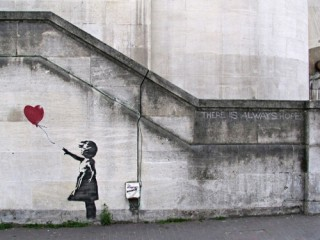 Banksy_Girl_Heart_Balloon